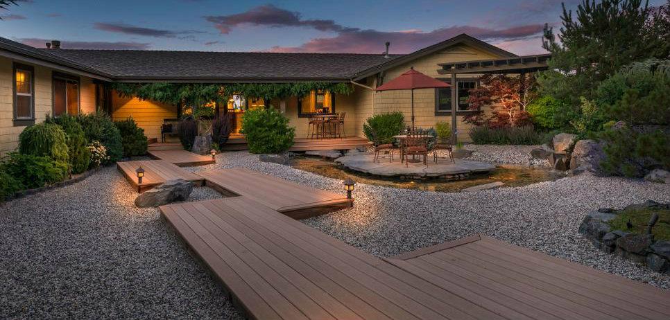 hgtv-huhh2015-backyard-reno-6.jpg.rend.hgtvcom.966.690-2.jpeg